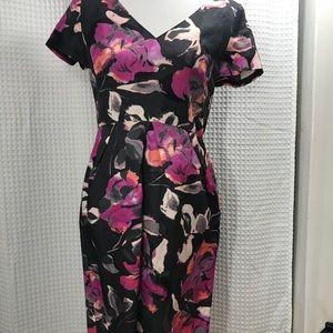 BANANA REPUBLIC Short Sleeve Floral V Neck Dress